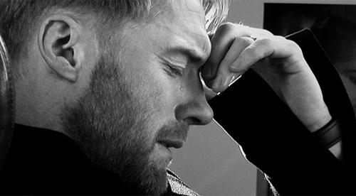 Ronan Keating rơi lệ khi viết thư cho Stephen Gately - 1