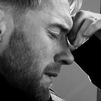 Ronan Keating rơi lệ khi viết thư cho Stephen Gately
