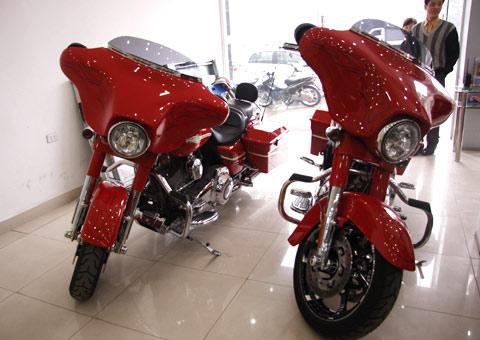 Bộ đôi Harley Davidson CVO Street Glide về Việt Nam - 1
