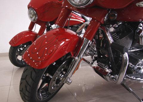 Bộ đôi Harley Davidson CVO Street Glide về Việt Nam - 4