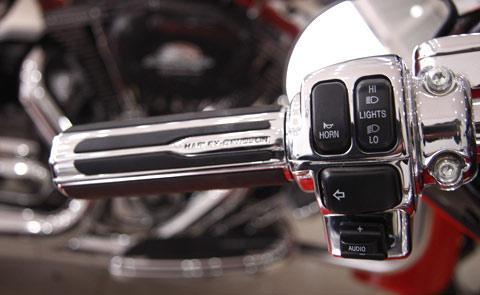 Bộ đôi Harley Davidson CVO Street Glide về Việt Nam - 9