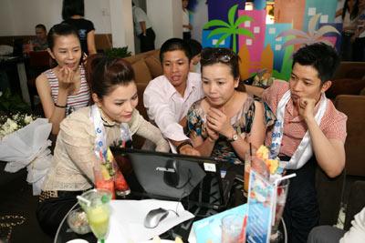 """Ngô Kiến Huy """"khoe"""" nhà mới tại Thành Phố Thơm Mát - 5"""
