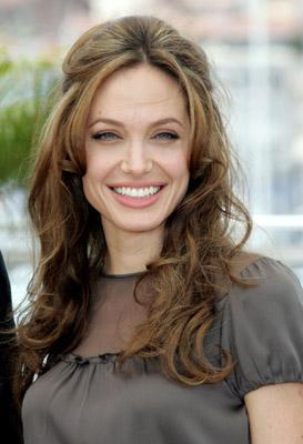 Tuyệt chiêu để Angelina 'bỏ bùa' Brad Pitt - 5