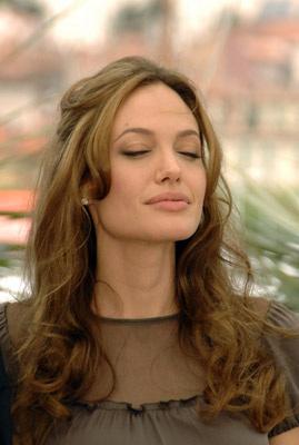 Tuyệt chiêu để Angelina 'bỏ bùa' Brad Pitt - 6