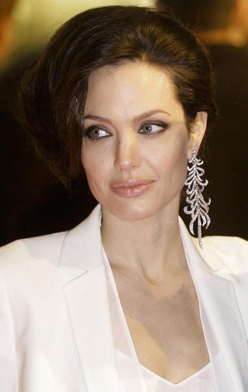 Tuyệt chiêu để Angelina 'bỏ bùa' Brad Pitt - 8