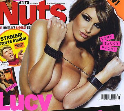 Lucy Pinder lại phơi ngực trần - 1