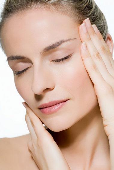 Video: Massage mặt để có làn da đẹp - 1