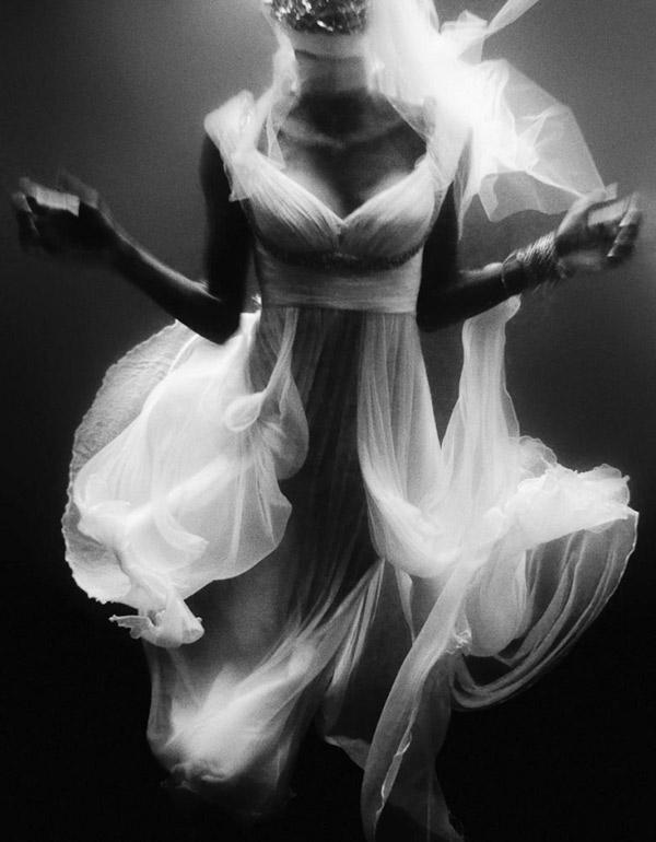 Váy voan biến hóa cùng thiên nhiên! - 17