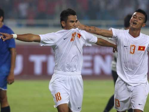 Cầu thủ Việt & những hình xăm trên cơ thể - 3