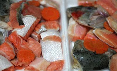 Lẩu cá hồi: Ngon, bổ, rẻ - 1