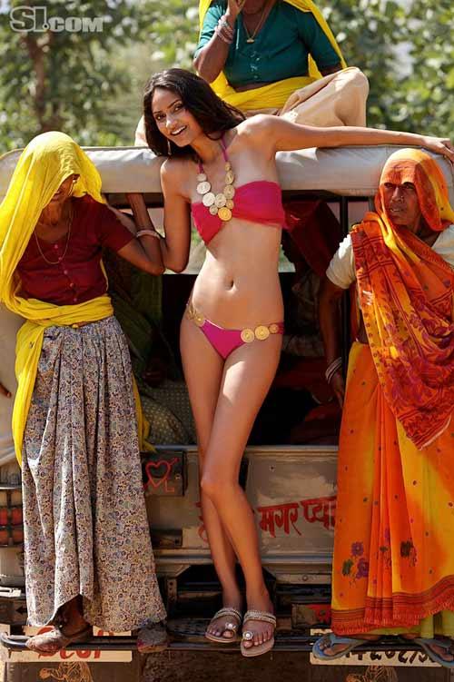 Chân dài theo đạo Hindu cởi áo cho SI - 11