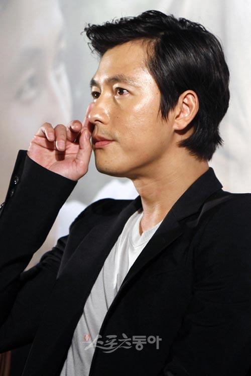 """Những sao Hàn """"sính ngoại"""" năm 2010 - 2"""