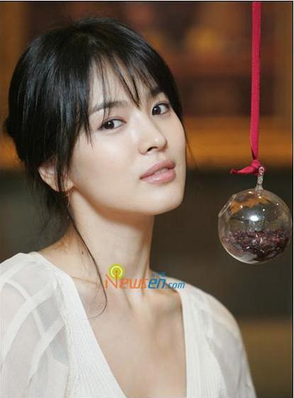 """Những sao Hàn """"sính ngoại"""" năm 2010 - 7"""