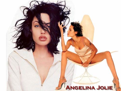 TIN SỐC: Angelina từng sex… hoang dại - 1
