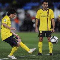 Pha sút phạt tuyệt đỉnh của Messi trong 5 bàn thắng đẹp nhất vòng 25 La Liga