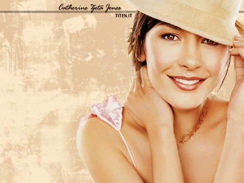 """Catherine Zeta-Jones khó """"bơ"""" trai đẹp - 2"""