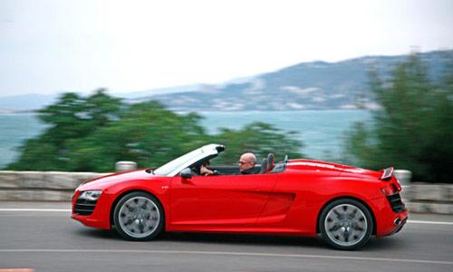 Audi R8 Spyder 5.2 FSI V10 2011: Lãng tử trong thế giới tốc độ - 3