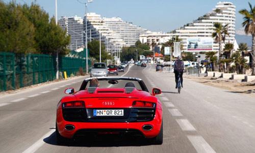 Audi R8 Spyder 5.2 FSI V10 2011: Lãng tử trong thế giới tốc độ - 4