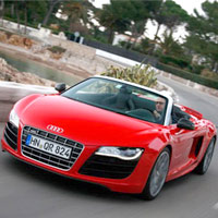 Audi R8 Spyder 5.2 FSI V10 2011: Lãng tử trong thế giới tốc độ