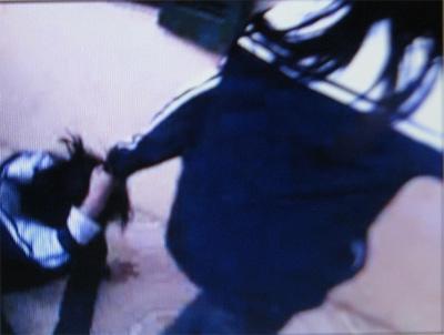 Thêm một clip nữ sinh đánh nhau dã man - 1