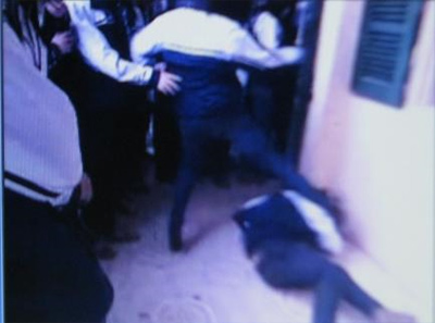 Thêm một clip nữ sinh đánh nhau dã man - 2