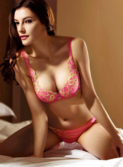 Một bộ ngực đẹp không phải là có số đo thật chuẩn