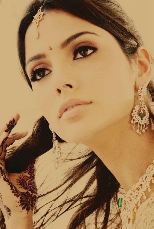 Video: Huyền bí váy cưới Ấn Độ - 8
