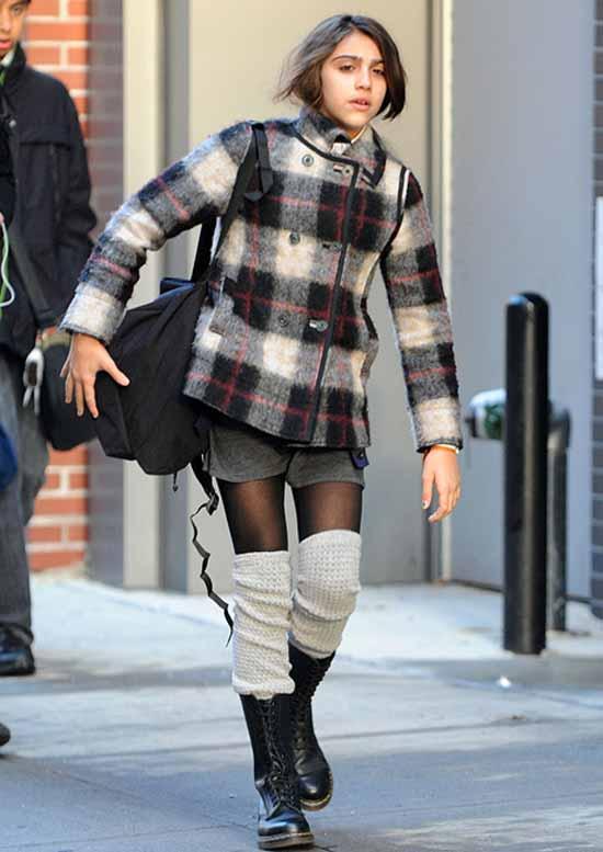 Con gái Madonna dạy mẹ cách ăn mặc - 5
