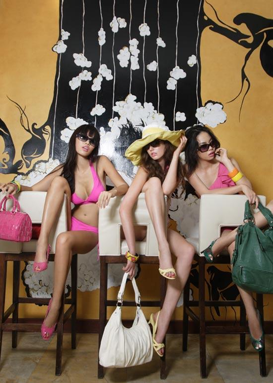 """Hà Anh lại gây """"sốt"""" với bikini hồng - 14"""