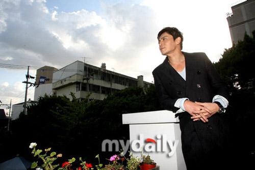"""Jang Dong Gun và Go So Young """"ăn cơm trước kẻng""""? - 11"""