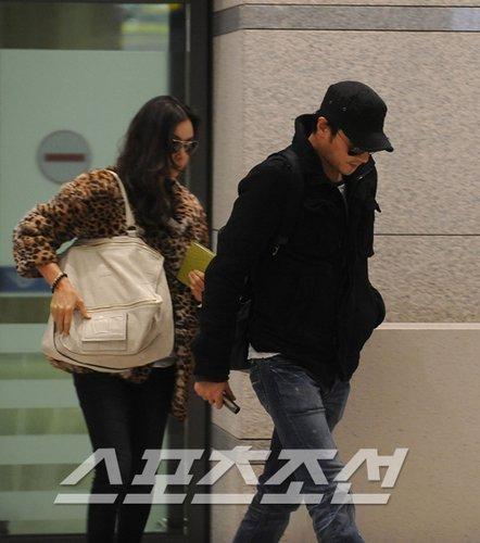 """Jang Dong Gun và Go So Young """"ăn cơm trước kẻng""""? - 6"""