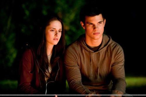 Twilight 4 hạn chế trẻ em dưới 17 tuổi? - 4
