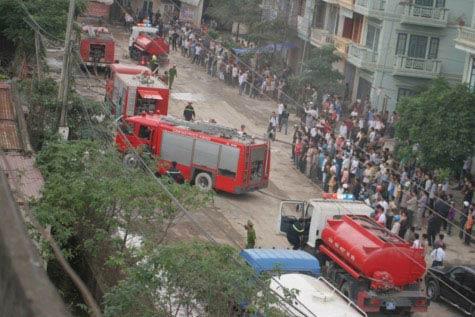Cận cảnh vụ cháy lớn ở Hà Đông - 6