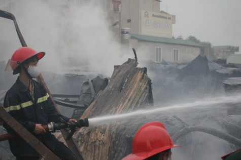 Cận cảnh vụ cháy lớn ở Hà Đông - 7