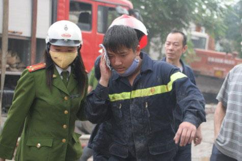Cận cảnh vụ cháy lớn ở Hà Đông - 12