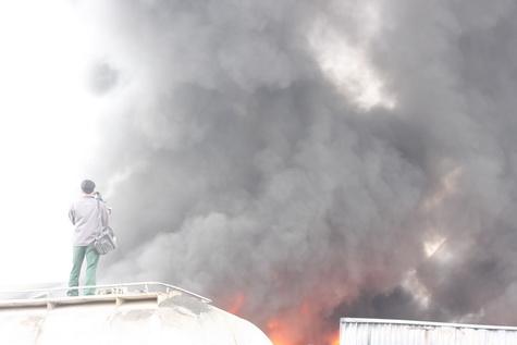 Cận cảnh vụ cháy lớn ở Hà Đông - 9
