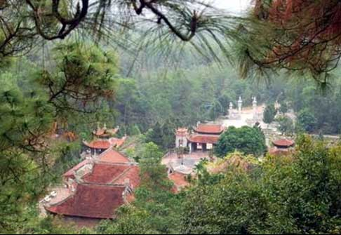 Về Côn Sơn, nhớ Nguyễn Trãi, Du lịch, côn sơn, nguyễn trãi, bàn cờ tiên, núi Kỳ Lân, Thanh Hư động, chùa
