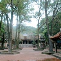 Về Côn Sơn, nhớ Nguyễn Trãi