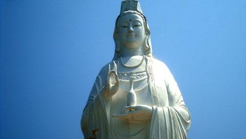 Hào quang kỳ ảo trên tượng Phật Bà - 3