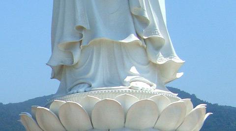 Hào quang kỳ ảo trên tượng Phật Bà - 4