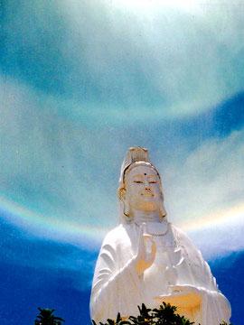 Hào quang kỳ ảo trên tượng Phật Bà - 10