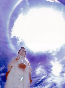 Hào quang kỳ ảo trên tượng Phật Bà - 9