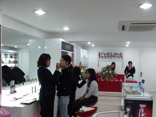 """""""Tuần lễ tri ân khách hàng"""" – Eveline gửi đến khách hàng thay lời cảm ơn - 2"""