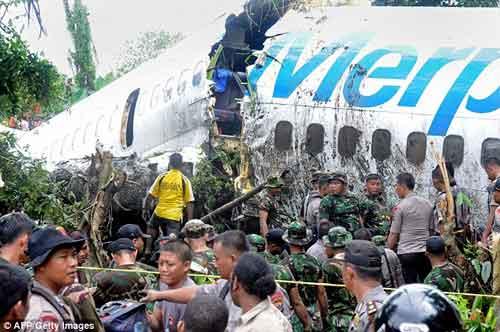 Thêm một vụ tai nạn máy bay nghiêm trọng - 1