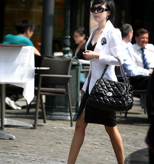 Nữ giới mặc vest nam thế nào cho chuẩn? - 1