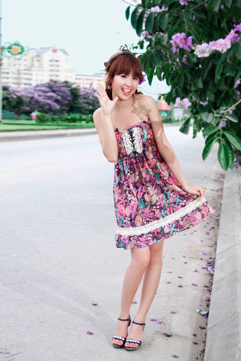 Thiếu nữ dịu dàng với những mùa hoa - 12