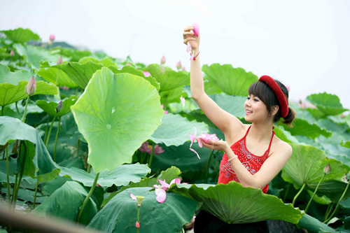 Thiếu nữ dịu dàng với những mùa hoa - 15
