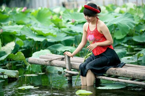 Thiếu nữ dịu dàng với những mùa hoa - 19