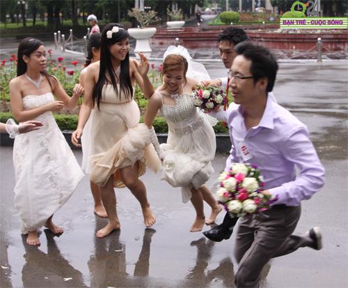 Những tình huống hài hước của cô dâu, chú rể - 9