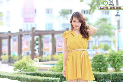 Hot girl Linh Genie tươi tắn trên phố Sài Gòn - 5